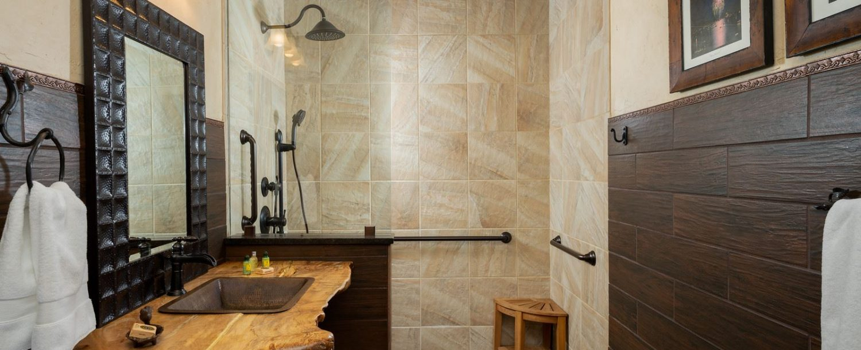 Cedar Room-Bathroom
