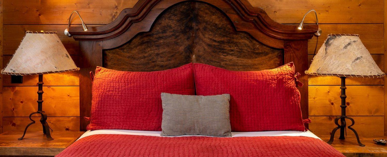 Cedar Room- Bed and nightstands