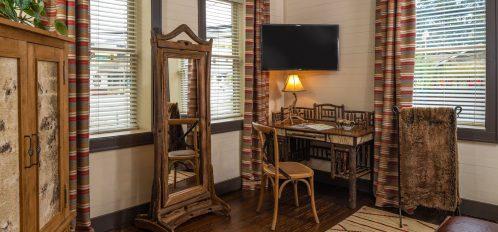 Hemlock Suite –Desk