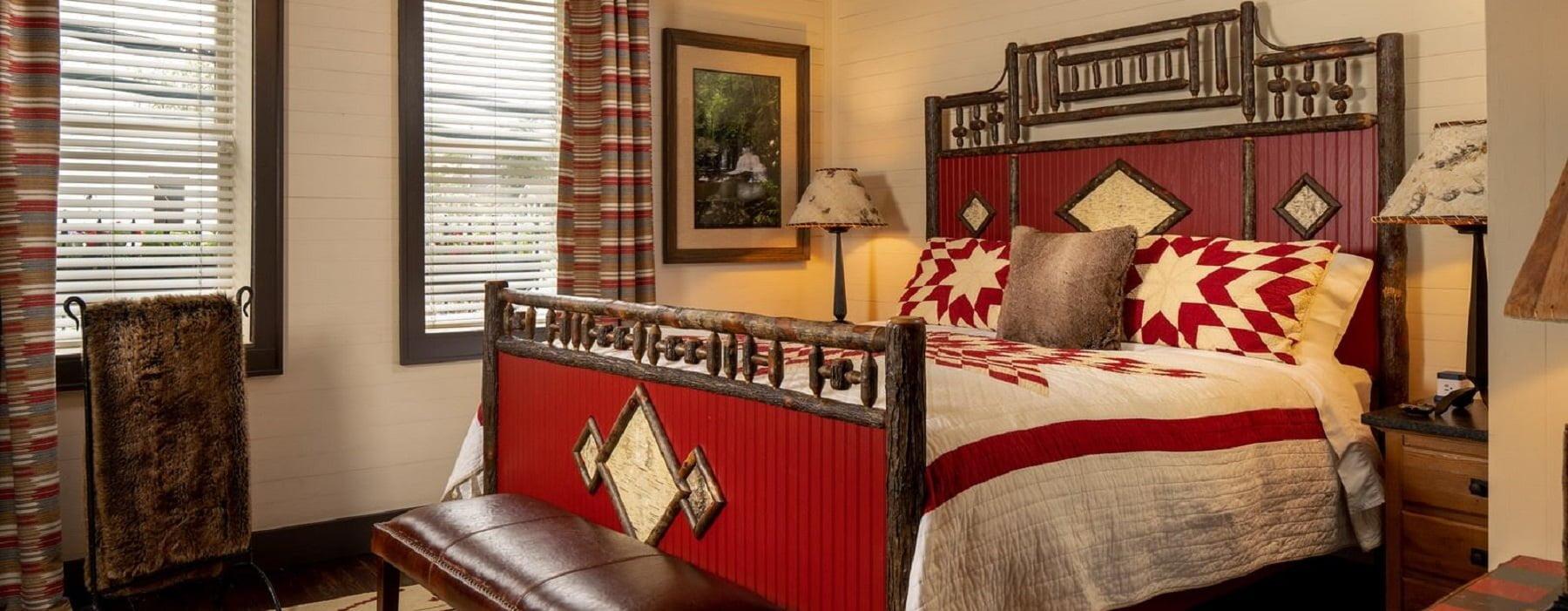 Hemlock Suite- Bed - Hero