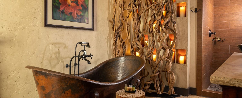 Mountain Laurel Suite-Bathroom tub wide